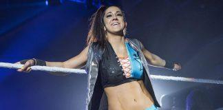 Bayley defiende en Extreme Rules