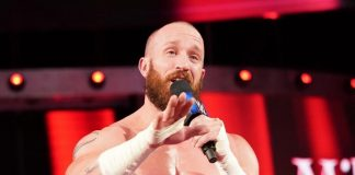 Mike Bennett firma con RoH
